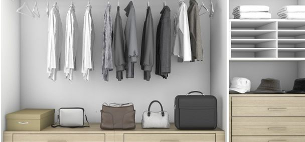 Capsule wardrobe featuring minimalist clothing